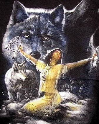 Indian woman and a wolf - T-Shirt
